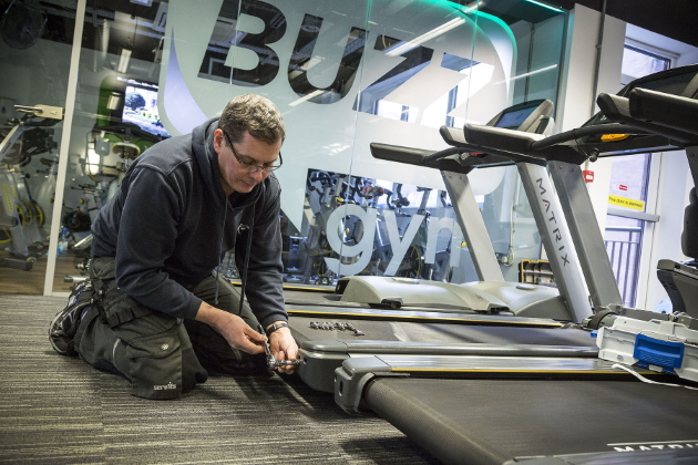 treadmill engineer working